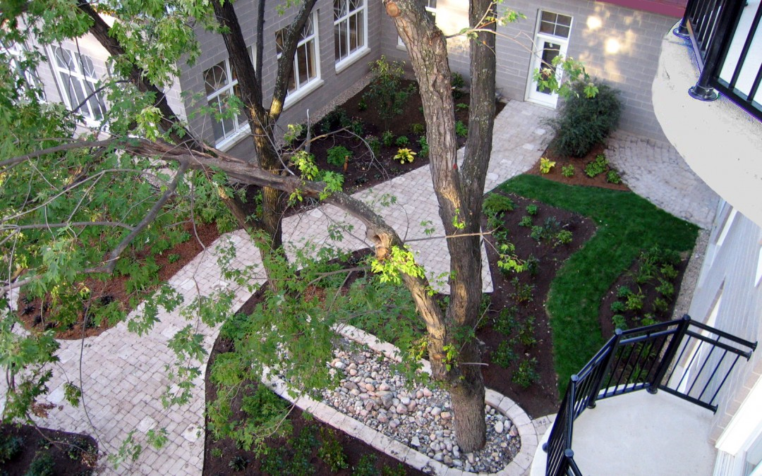7 Monastère Aylmer vue d'en haut avec puis d'arbres copy