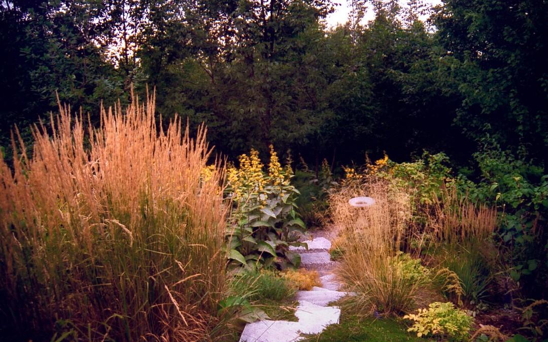 8 Dunham  portique (jardin des géants) août 2003 FAIT
